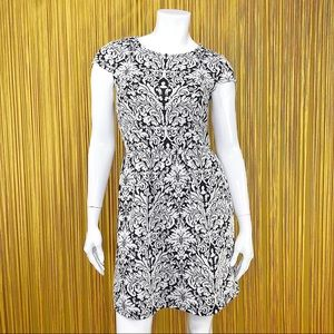 GB Floral Black and White Short Sleeve Dress L